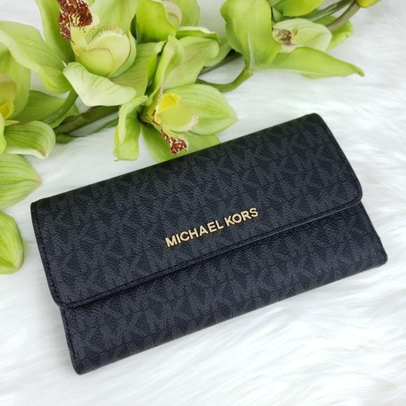 Michael Kors Handbags - 🌺NWT Michael Kors LG Trifold Wallet Black MK logo